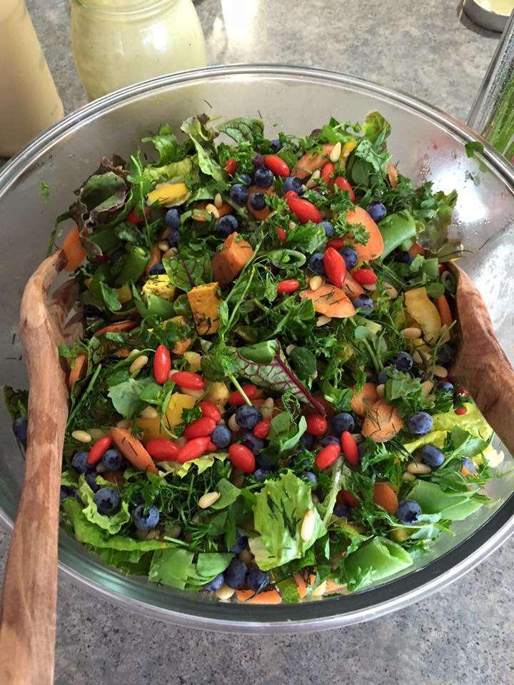 Wild garden salad